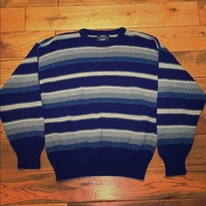Beautiful blue striped knit JANTZEN sweater large